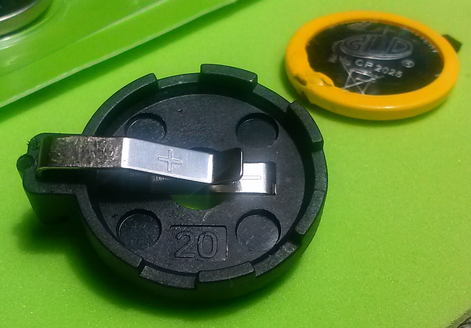 aaa battery, aa battery, d battery, button cell, aaaa battery, pp3 battery, lr44 battery, a23 battery, n battery, c battery, lantern battery, on difference between cr2025 and cr2032
